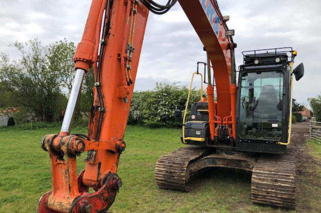 HItachi-ZX130-5-P119-photo7